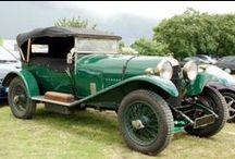 Les  Boucles du Luberon / Rejoignez-nous à L'Isle-sur-la-Sorgue, en Vaucluse France, pour  suivre les 4 boucles dans le Luberon à bord de magnifiques voitures anciennes : dimanche 22 mai 2016.