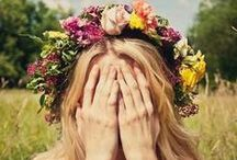 """Fresh flower crown - DIY / Have you ever imagined yourself wearing fresh flowers in your hair? At our Late Night Shopping you can have one, moreover you can learn how to make it properly! Register on our website to take part at our DIY workshop and get the """"Flower power"""" for the next spring summer season! But until then get inspired by our flowery pins!"""