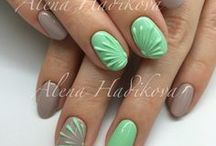 Green & Mint nails