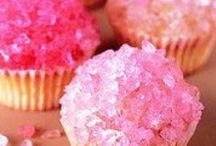 Scrumptious Desserts / by Katelyn Molloy