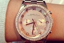 Big Face Watches for Women / Big Face Watches for Women that stand out, available in gold, silver, black, two tone and a variety of other styles and colors so you can match them with any outfit.