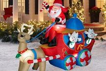 Santa Sleigh and Reindeer Outdoor Decoration / Santa sleigh and reindeer outdoor decorations for lavish yard displays that will delight kids and adults alike.