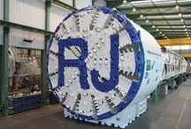 Supermáquinas / Embaixo da terra ou muitos metros acima do nível do mar, essa máquinas impressionantes constroem obras imensas.