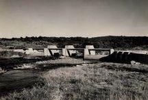 História em preto e branco / A história da Odebrecht contada em duas cores.