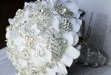 BOUQUET & BOUQUET BROOCH!!!..❤ / RAMOS DE NOVIAS....❤ / by Ivette Cruz