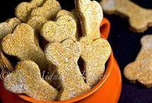 Homemade Dog Treats with Sweet Potatoes / Sweet potato treats for your furry friend using #BrucesYams! #YamRight