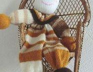 Doudou Clown Doudou Lutin Doudou souple En laine Enfant Bébé Tricoté à la main / doudou tricoté Doudou clown Doudou en laine Doudou tricoté à la main doudou pour bébé doudou pour enfant doudou rigolo doudou tout doux doudou clown en laine doudou lutin doudou pour bébé poupée en laine doudou à rayure doudou câlin doudou rigolo mode enfantine  création doudou en laine Par l'artisanerie du chas