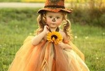 """Autumn > Fall > Halloween xo / Fabulous Halloween presentations, tables, entryways, recipes with the """"chill"""" factor, great party tricks - you name it, it is pinned right here. Keva xo"""