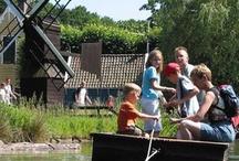 Nederlands Openluchtmuseum in Arnhem / Van 30 maart t/m 28 oktober 2012 viert het Openluchtmuseum zijn eeuwfeest. Het museum werd op 24 april 1912 opgericht te Arnhem en opende in juli 1918 de poorten voor het publiek. In een eeuw is het Nederlands Openluchtmuseum uitgegroeid tot een van best bezochte musea in Nederland, met een relevant verhaal, verbonden met heden, verleden én toekomst.