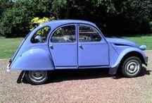Voitures Vintage / La sacrée 2CV, la mythique Fiat 500 ou la Méhari Vintage pour les plus classique, visitez notre garage ! Rendez-vous sur le site lesvieilleschoses.com !
