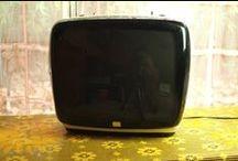 Vidéo Vintage / Vous aimez les caméras Vintage ou les vieux postes de télévisions ? Visionnez ici les belles images au travers de votre écran d'ordinateur ! Rendez-vous sur le site lesvieilleschoses.com !