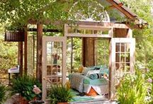 Outdoor Oasis / If I could live outside, this is how I'd do it.