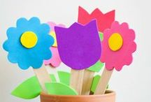 Mother's Day Crafts and Activities for Kids / Cute little crafts and activities to do for Mother's day.