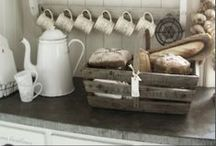 KITCHEN/PANTRY / This board is full of home decor inspiration for the kitchen, including organizing the pantry!