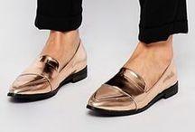 Accessoire : Marche à plat / SHOES : Sneakers // Derbies // Flats // Creepers // Ballerines // Oxfords