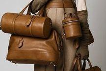 """Accessoire : Le sac / """" Veux-tu vivre heureux ? Voyage avec deux sacs, l'un pour donner, l'autre pour recevoir. """" Goethe // Sac à main // Pochette // Handbag // Purse // Clutch"""