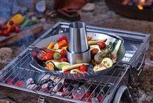 Kollektion: Grillen / Wir lieben Grillen - hier findest Du alles für den perfekten Start in die Grillsaison. Von Grillbesteck bis zu den passenden Deko- und Getränketipps - bei DEPOT findest Du tolle Ideen für ein rund um gelungenes Grillfest.