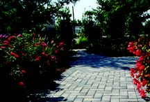 Nicolock Toscana Antiqued / Toscana Antiqued pavers combine the look of naturally aged stone with the durability of high strength concrete. These pavers will enhance the landscape of any home with the look and feel of old stone.