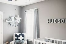 Babyzimmer / Möbel und Dekoration für das Kinderzimmer eines Neugeborenen.