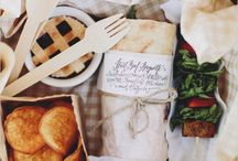 PICNIC / Pack the basket, invite your friends, let's have a picnic!