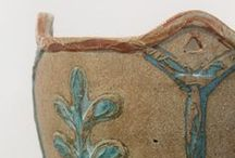 Devon Guild Members Ceramics / Unique ceramic and pottery objects, hand-made using a range of methods including slab, wheel, fired, glazed, decorated and sculpted clay: earthware, stoneware, porcelain etc. Pieces are created by Devon Guild of Craftsmen members from the South West of UK. Most products are on sale, similar can be produced or commissioned by the makers. Call our shop on: 01626 832223.