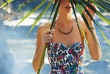 Baño de estilo / Trajes de baño y complementos con estilo para lucir en la playa