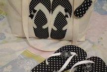 Bolsas praia / Uma parceria com a Personalizados LP e Artesanato Irene que juntos  formaram o Kit Praia, bolsa com patch aplique e chinelos decorados.