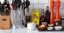 Countertop Organization Ideas / Say goodbye to clutter! Keep your counters clear and tidy with these organization tips.