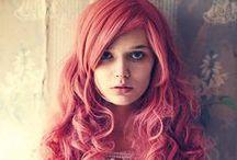 Let's color! / La moda dell'hairchalking spopola dalle passarelle alla strada. Capelli ultracolorati per tutti!