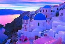Santorini | Cyclades | Greece / Fantastic holiday homes in Santorini and an image guide to the Cycladic island. Enjoy