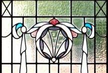 Charles Rennie Mackintosh - La Historia del Arte del Diseño / Charles Rennie Mackintosh fue un arquitecto, diseñador y acuarelista escocés, que tuvo una importancia fundamental en el movimiento Arts and Crafts y que además fue el máximo exponente del Art Nouveau en Escocia.
