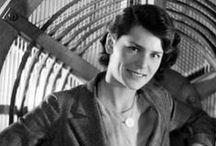 Fotografía - Margaret Bourke-White / Margaret Bourke-White nació en Nueva York el 14 de junio de 1904. Se interesó por la fotografía cuando estudiaba en la Universidad de Cornell. Fue alumna de Clarence H (1904-1971)