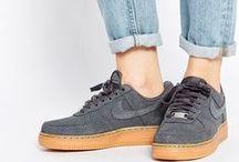 Fashion and Shoes / I don't like shoes, I love it