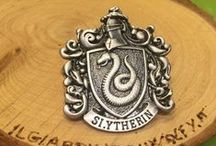 nerdy shopping / Harry Potter, Sherlock, Slytherin, Hogwarts, gadgets, clothing, clothes, etsy
