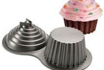 Giant cupcake cakes!!! / by kikikazoo
