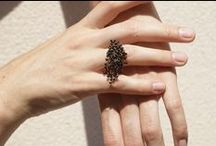 Lia Di Gregorio rings / Hypnotising bands of gold around your fingers