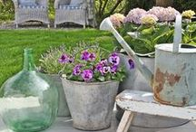 Vintage Galvanized Items / Galvanized items are really wonderful as they don't get any rust! And do you know who created it? M. Xavier Pauchard, he was the pioneer of galvanization in France in the 30's, yes the man who designed the Tolix chairs! With galvanization, you can use your items inside and outside! Most of the time we find plants in them, but you can also used them inside to display towels in your bathroom, or soaps, or why not as a display in your shop! Find yours now, visit www.laboutiquevintage.co.uk