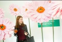 Benetton - Sisley / Event / Set art direction, επιμέλεια σκηνικών και κατασκευή λουλουδιών από χαρτί, για την παρουσίαση της συλλογής ρούχων Άνοιξη/Καλοκαίρι 2016 στο Atopos gallery στην Αθήνα.
