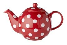Red Spotted Teapots / The inspiration for my modern country style kitchen was some red spotted teapot fabric that I used for some bunting and then made into a stamp to print my own blinds