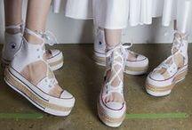 w  o  m  a  n  i  n  w  h  i  t  e / fashion, woman in white, fashion, woman, women, outfit, white fashion, dress, pants, t-shirt