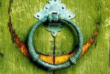 d  o  o  r  s / kapılar, tarihi kapılar, kapı tokmağı, door, doors, historical doors, architectural,  architectonic, doorknob