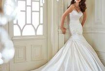 Wedding Dresses / Beautiful Wedding Dresses that are stunning!