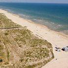 Playa de l'Ahuir de Gandia / La Playa de l'Ahuir en #Gandia, una playa virgen de arena fina y dorada de 2km