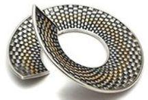 Hanne Behrens: Studio Jewelery Textile Techniques in Metal - Mobilia Gallery