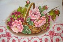 Pintura em Tecido / Pintura em tecido (roupas de crianças, cama, mesa, banho e artesanato em geral). / by Lúcia Eliana Sarem Schunk