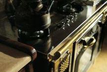 Кухня Hemingway как стиль жизни / Интерьер кухни Hemingway от Marchi cucine напоминает о том, что есть жизнь, полная азарта и приключений, и есть время воспоминаний и образов. Свободный дух путешествий, незабываемых мгновений и смелых приключений во всех уголках земного шара воссоздается в ней.