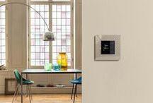 Niko in je keuken | Niko dans votre cuisine | Niko in your kitchen / Gebruiksgemak, design en sfeer in je keuken? Ontdek wat je bereikt met onze schakelaars, stopcontacten, bedieningen, licht- en automatiseringsoplossingen. | Facilité d'utilisation, design et ambiance dans votre cuisine ? Découvrez ce que vous apportent nos interrupteurs, prises de courant, commandes, solutions d'éclairage et d'automatisation.