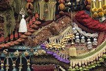 Watts: новинки декоративных тканей, обоев и современные исторические гобелены / На проходившей в октябре в Лондоне выставке DECOREX 2016 компания Watts впервые представила на своем стенде гобелены, воспроизведенные в сотрудничестве с компанией ZARDI & ZARDI. До сих пор исторические гобелены были принадлежностью лондонского музея V&A (Victoria and Albert Museum) и Национального фонда, отныне же они будут доступны для частных интерьеров