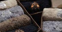 Великолепный текстиль для спальни и ванной комнаты от Mastro Raphaël как подарок к Новому году / Ассортимент текстильных изделий итальянской фабрики Mastro Raphaël настолько широк, что позволяет выбрать подарок на любой вкус и кошелек - от тяжелых стеганых покрывал, способных полностью преобразить интерьер спальни, до корзиночки с набором маленьких полотенчиков и стеганых мочалок (washcloths) для ванной