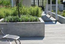 Tuinontwerp Volendam 37 / Inspiratiebord ter ondersteuning van een tuinontwerp in Volendam. De kleine achtertuin krijgt een strakke en frisse uitstraling en wordt functioneel ingedeeld. Door het combineren van moderne elementen en kwaliteitsmaterialen wordt de ruimte modern en onderhoudsarm.